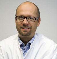 Dr. med. Simon Jirát