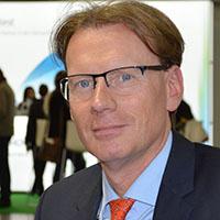 Dr. med. Georg Goldmann ist Facharzt für Transfusionsmedizin und Hämostaseologie und als Oberarzt im Institut für Experimentelle Hämatologie und Transfusionsmedizin (IHT) am Universitätsklinikum Bonn tätig