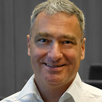 Dr. Chrstian Schneider