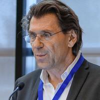 Prof. Dr. med. Albert J. Augustin